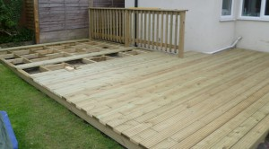 Building garden decking using hardwood boards
