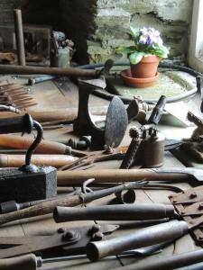 tools-103444_1280