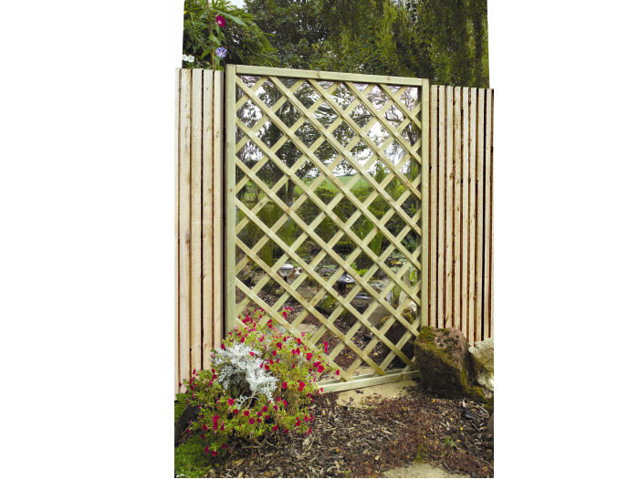 Garden Mirror Lattice Screen (1800mm x 1200mm)