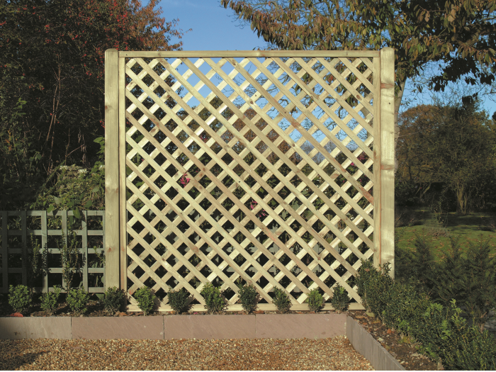 Heavy Diamond Lattice Trellis (1.8m x 1.8m)