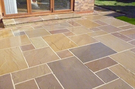 Calibrated 22mm Indian Stone Paving Multi Buff (19.50m2 Project Pack)